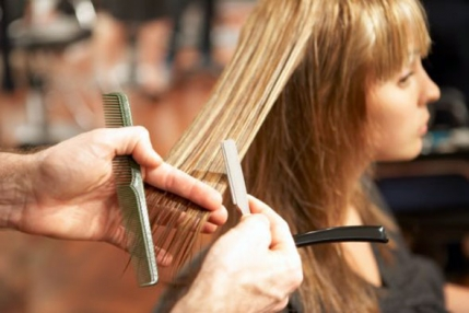 A profitable unisex Salon running very well up for Sale in Delhi